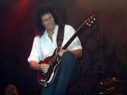 Guest appearance: Brian May live at the Wembley Arena, London, UK (with Alice Cooper)
