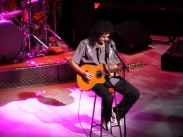 Guest appearance: Brian May live at the Royal Opera House, London, UK (Dian Fossey Gorilla Fund)
