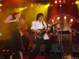 Concert photo: Brian May + Roger Taylor live at the Regent Theatre, Melbourne, Australia (WWRY afterparty) [07.08.2003]