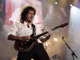 Guest appearance: Brian May + Roger Taylor live at the Green Point Stadium, Cape Town, South Africa (46664 charity festival)