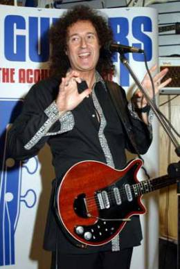 Guest appearance: Brian May live at the House Of Guitars, Brune St., London, UK (opening)