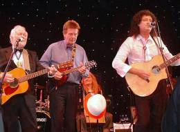 Guest appearance: Brian May live at the Grosvenor House Hotel, London, UK (the Annual Ball of The Grand Order of Water Rats)