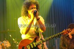 Guest appearance: Brian May + Roger Taylor live at the Flora, Cologne, Germany (WWRY afterparty)
