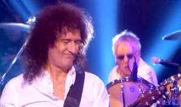Concert photo: Brian May + Roger Taylor live at the Studio 1, South Bank, London, UK (Al Murray's Happy Hour TV show) [10.03.2007]