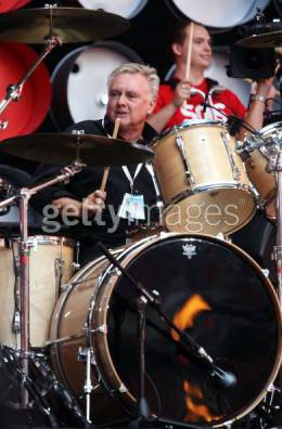 Concert photo: Roger Taylor live at the Wembley Stadium, London, UK (Live Earth) [07.07.2007]