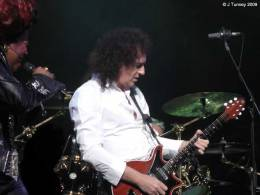 Concert photo: Brian May + Roger Taylor live at the Playhouse Theatre, Edinburgh, UK (WWRY musical (press night)) [09.11.2009]