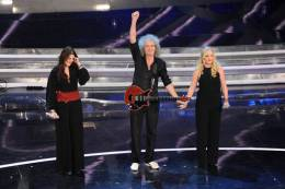 Guest appearance: Brian May live at the Teatro Ariston, San Remo, Italy (Sanremo festival)