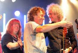 Guest appearance: Brian May live at the The Kings Arms, All Cannings, UK (Rock Against Cancer with Kerry Ellis and SAS Band)