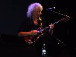 Concert photo: Brian May live at the The Assembly, Leamington Spa, UK [06.11.2012]