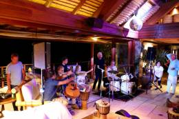 Guest appearance: Roger Taylor live at the Necker Island, British Virgin Islands, UK (Richard Branson's private party)