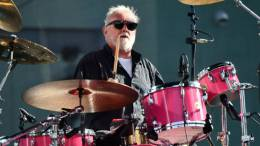 Guest appearance: Roger Taylor live at the Hollywood Palladium parking lot, Los Angeles, CA, USA (with Chevy Metal)
