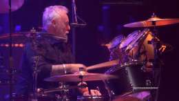 Guest appearance: Roger Taylor live at the Atlantic Station, Atlanta, GA, USA (Super Saturday Night with Foo Fighters)