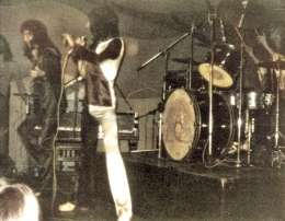 Concert photo: Queen live at the The Garden, Penzance, UK [29.03.1974]