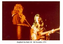 Concert photo: Queen live at the City Hall, Sheffield, UK [05.11.1974]