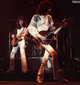 Concert photo: Queen live at the Santa Monica Civic Auditorium, Santa Monica, CA, USA (2nd gig) [29.03.1975 (2nd gig)]