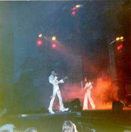Concert photo: Queen live at the Empire Theatre, Liverpool, UK [15.11.1975]