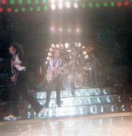 Concert photo: Queen live at the Auditorium, Nashville, TN, USA [22.11.1978]