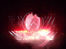 Concert photo: Queen + Adam Lambert live at the O2 Arena, London, UK [18.01.2015]