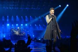 Concert photo: Queen + Adam Lambert live at the Sportarena, Budapest, Hungary [04.11.2017]
