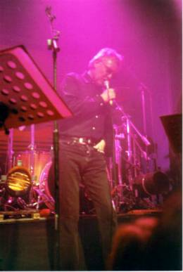 Concert photo: Roger Taylor live at the The Coal Exchange, Cardiff, UK [16.03.1999]