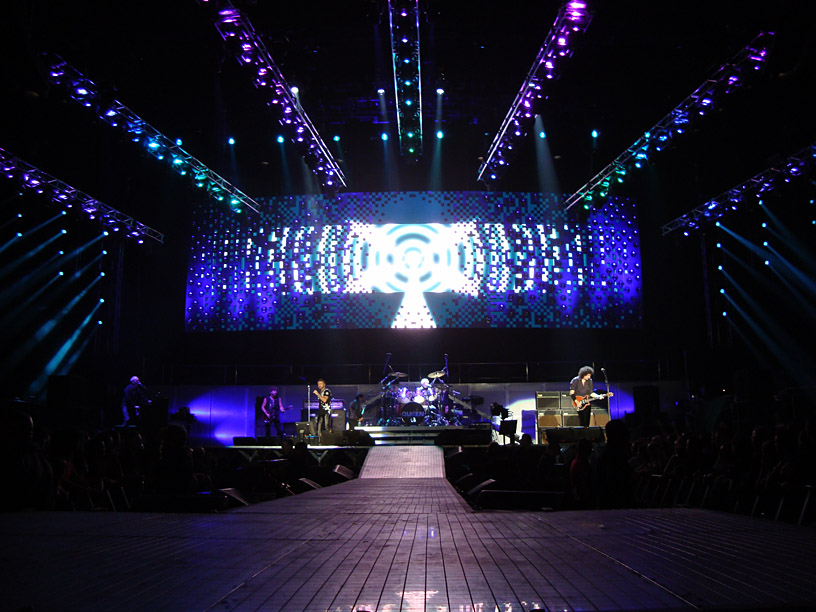 Queen lighting rig photo